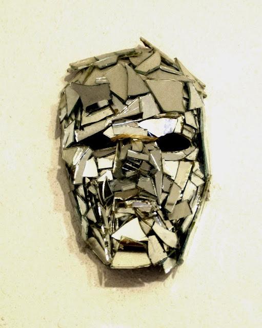 Broken mirrors espejos rotos all things bright and lovely for Broken mirror art
