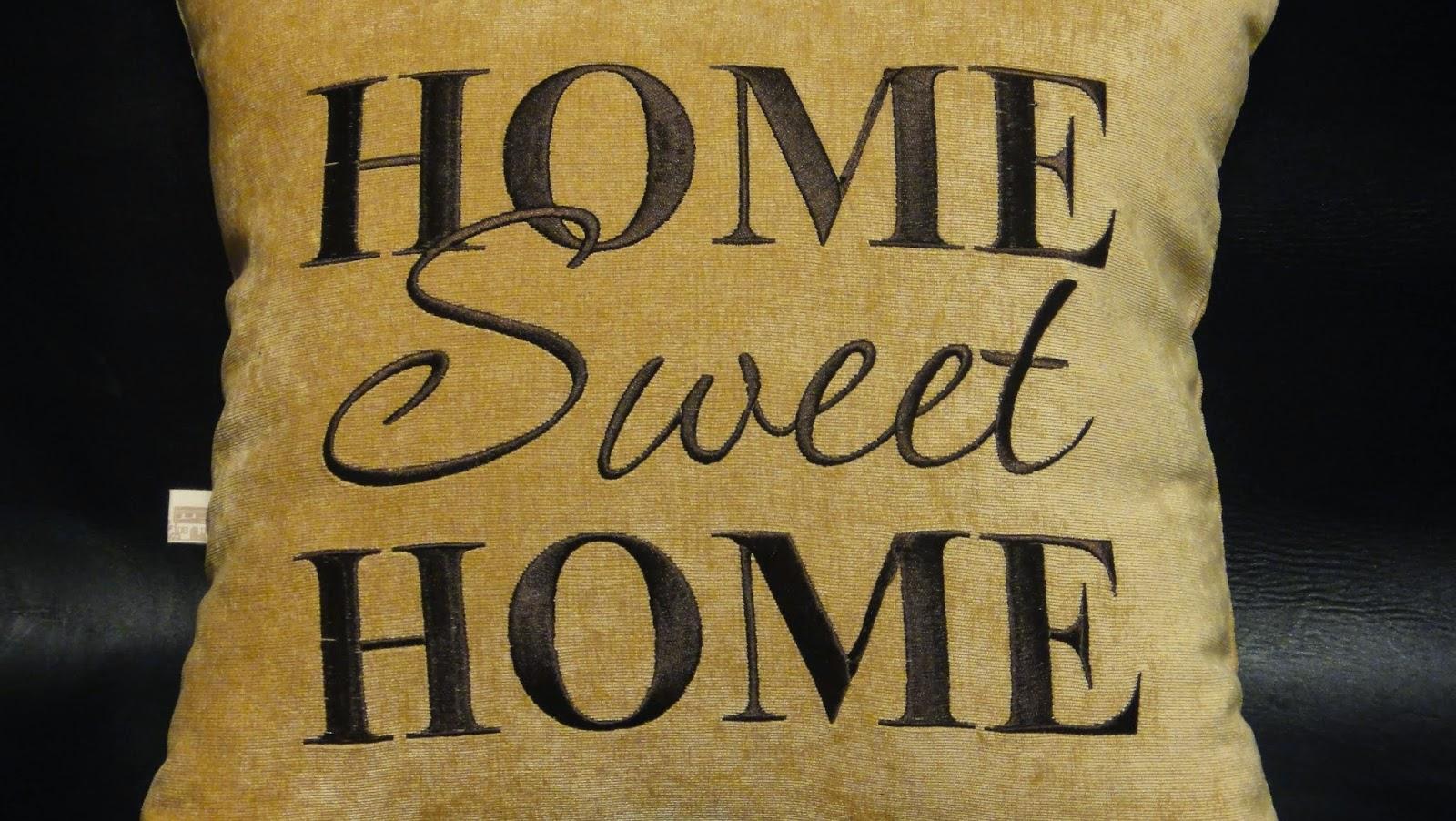 Декоративная подушка Sweet Home: бежевый цвет, машинная вышивка