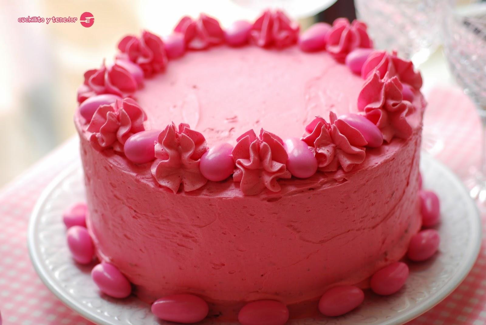 Pastel de cumpleaños de Julia. | Cuchillito y Tenedor