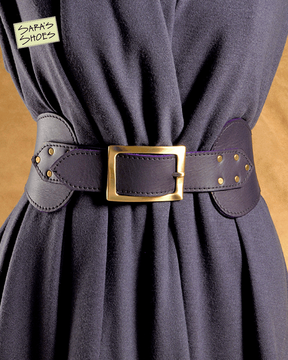The Hunt: Stylish Women's Belts for Work 08/07/ by Kat 5 Comments Sure, we all know what wardrobe essentials for work professional women are supposed to have in their closets, but if you're buying one for the first time or replacing one you've worn into the ground, it can be a pain to find exactly the right incarnation in stores.