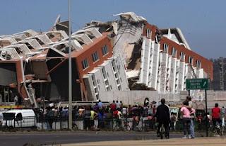 Desastres como un terremoto permiten que la sociedad se reconstruye a través de sus redes sociales facilitadas por las tecnologías