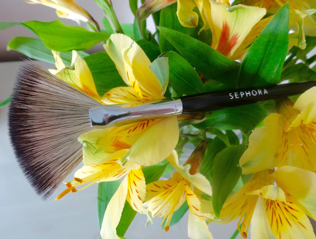 Sephora Pro Fan Brush #65