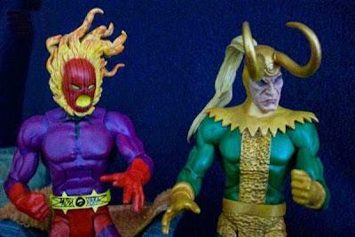 Figuras de Loki y Dormammu