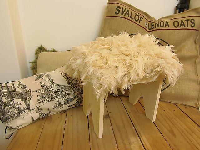 Cuchita bacana talleres de reciclado de muebles y for Muebles mato leon