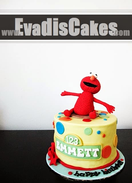 Overall view picture of Elmo Cake