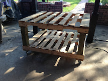Crafty Geeks Patio Pallet Table