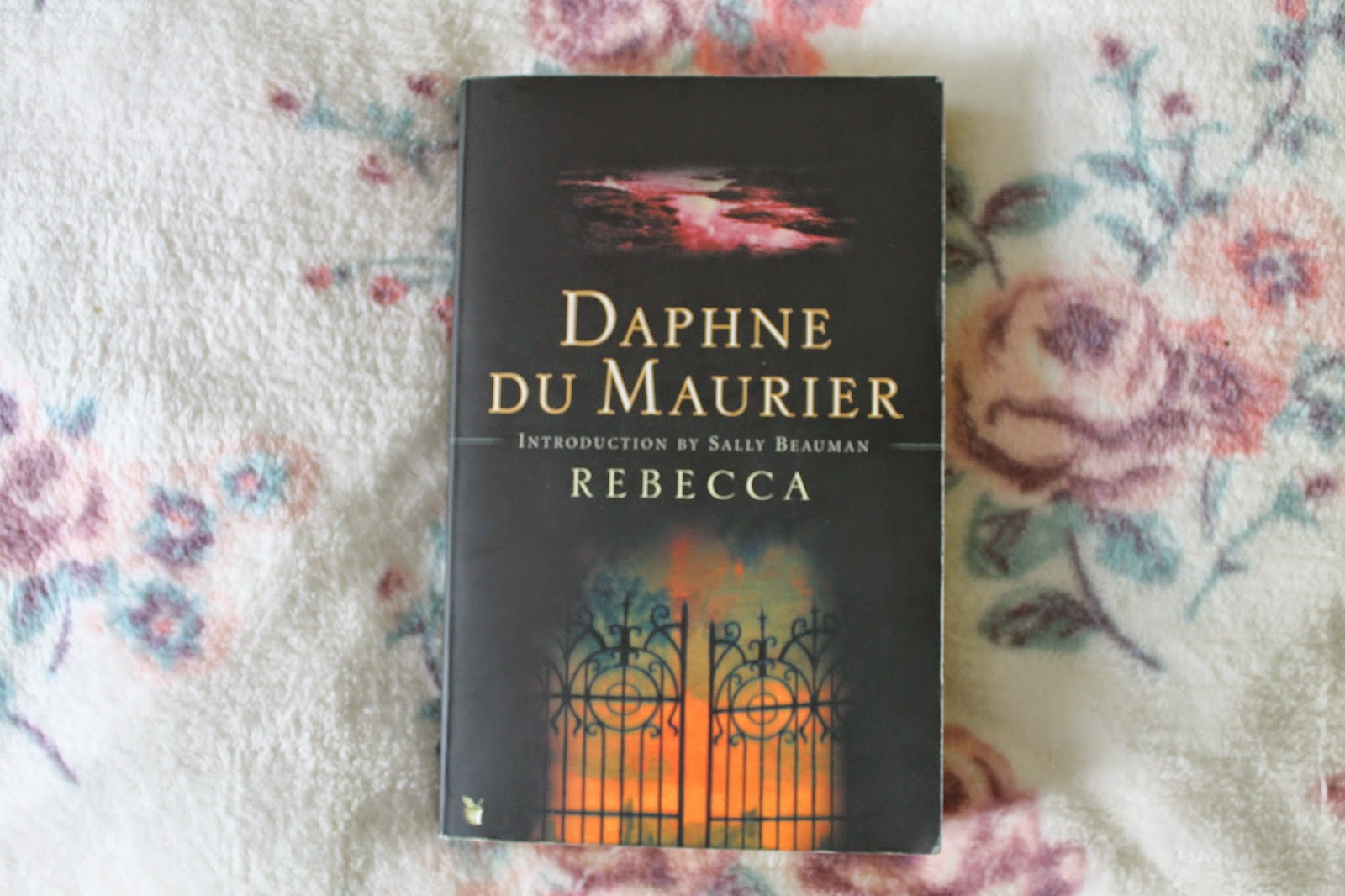 Book Review Rebecca by Daphne Du Maurier
