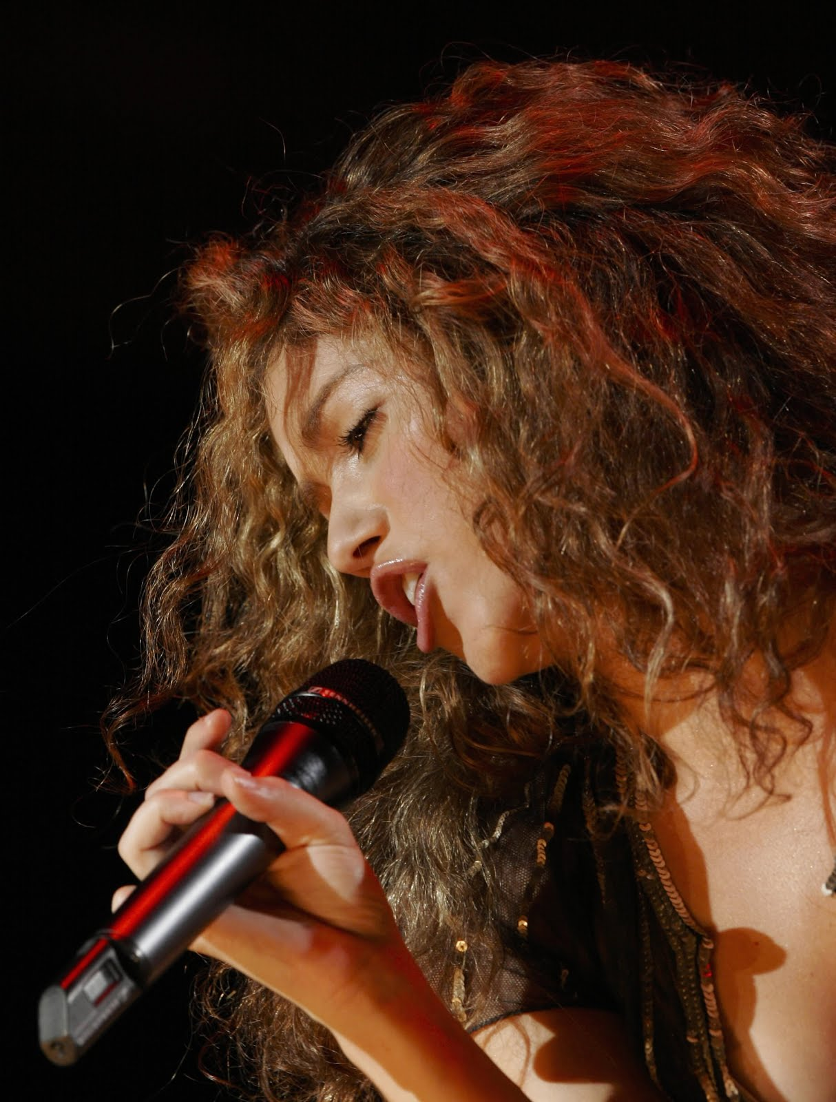 Live on Stage: Shakira - Oral Fixation Tour Concert In ... Shakira Tour