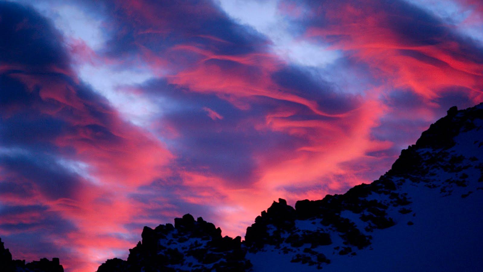http://4.bp.blogspot.com/-R4ToccRXFDg/ThIyTwe4xWI/AAAAAAAAKxc/BylXI5hAZAQ/s1600/Lenticular-Clouds-at-Sunset-Over-Lamarck-Col-Sierra-Nevada-Mountains-California.jpg