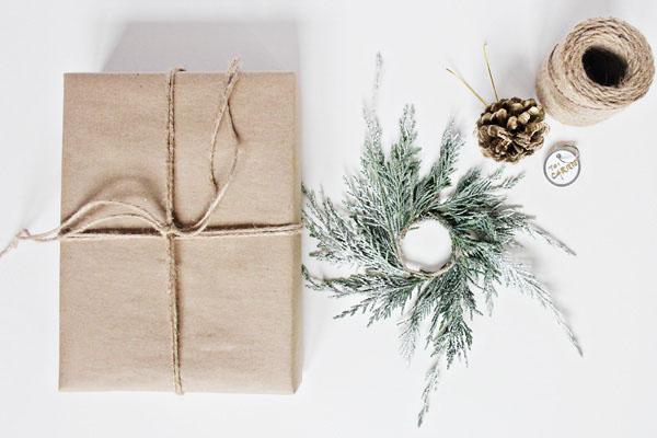 diy una forma bonita y muy natural de envolver regalos para navidad