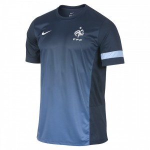 Maillot de foot pas cher france maillot foot maillot for Maillot equipe de france exterieur 2013