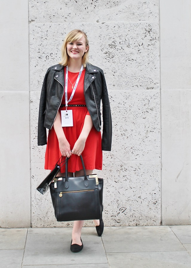 http://www.littlemisskaty.co.uk/2014/09/lfw-style-blogger-red-dress.html