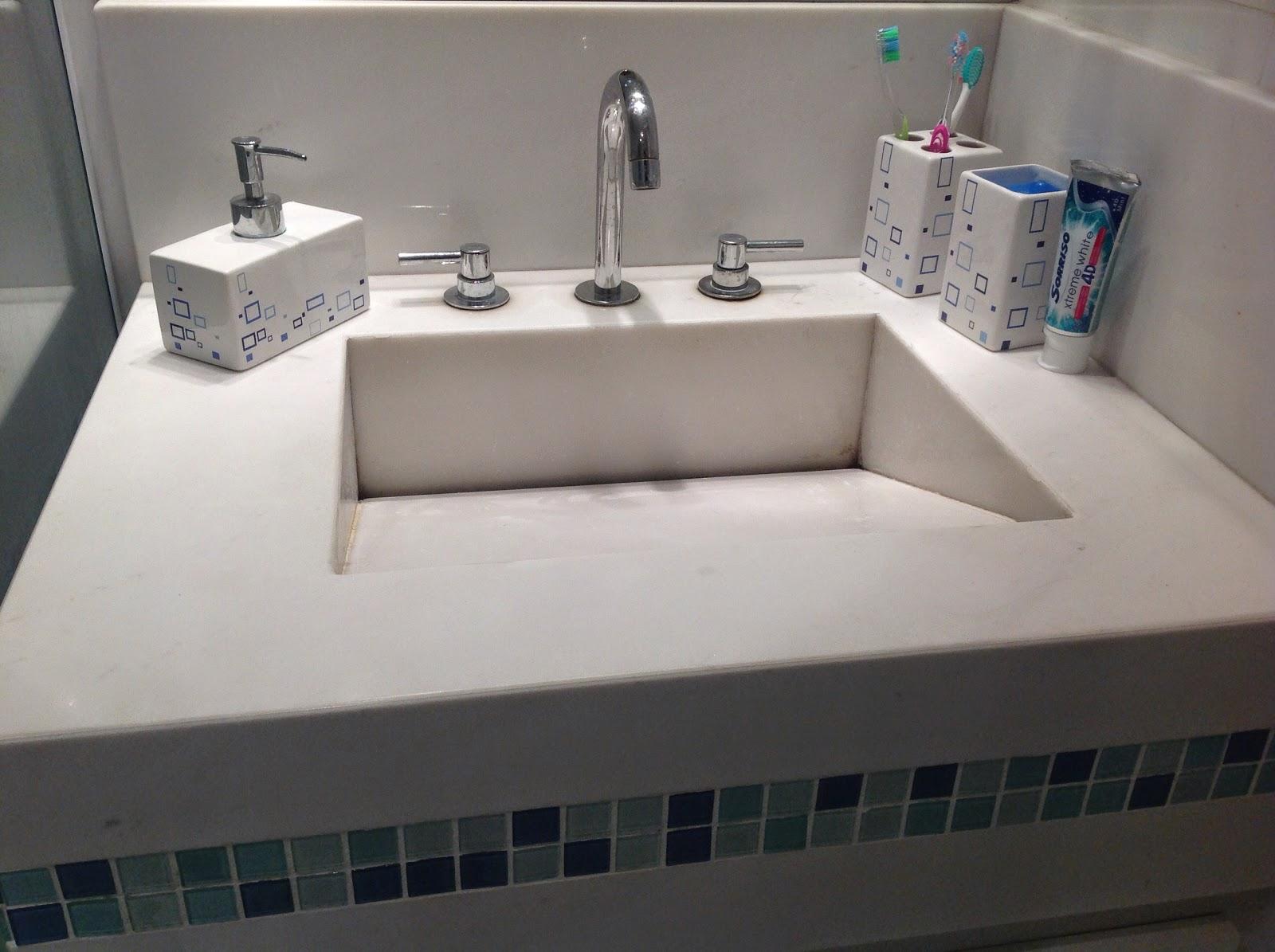 #414E60 armário é mais funcional .esse gavetão debaixo guardo as  1600x1195 px pia de banheiro bloco cad