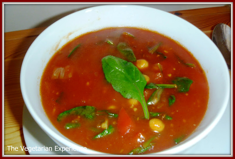 The Vegetarian Experience: Spinach, Chickpea and Red Pepper Soup