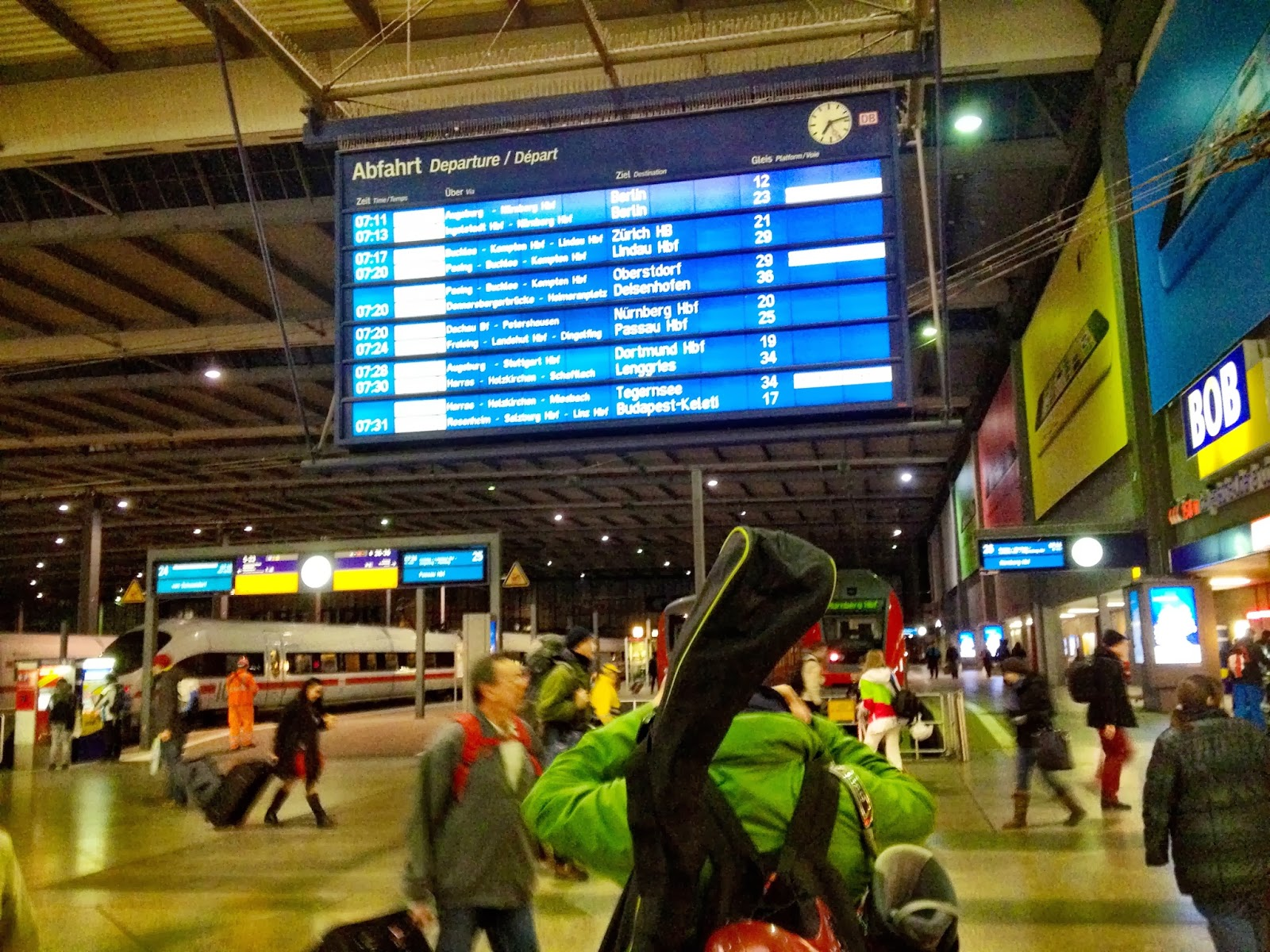 Looking for the Garmish ski train in Munich's Hauptbahnhof