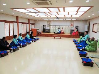 韓服に着替えての韓国式茶道体験
