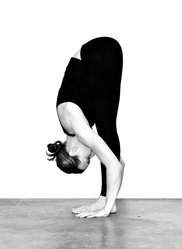 My Ommm Life...: Pose of the Week: Uttanasana / Standing Forward Fold ...