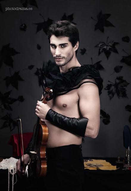 foto hombre con violin photodrama oju illa dirección de arte