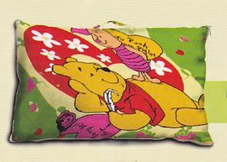 bantal selimut/ balmut pooh piglet fata