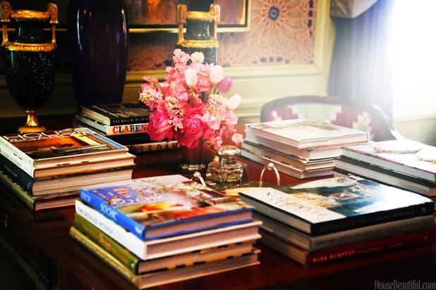 Le livre peut être également conçu comme un élément de décoration qui peut modifier l'ambiance de votre intérieur