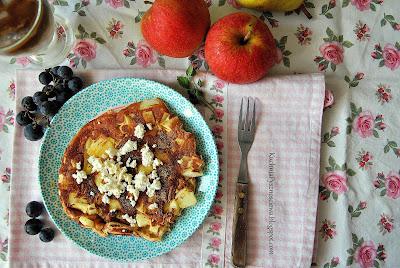 360. Pełnoziarnisty omlet z jabłkami na odchudzone śniadanie