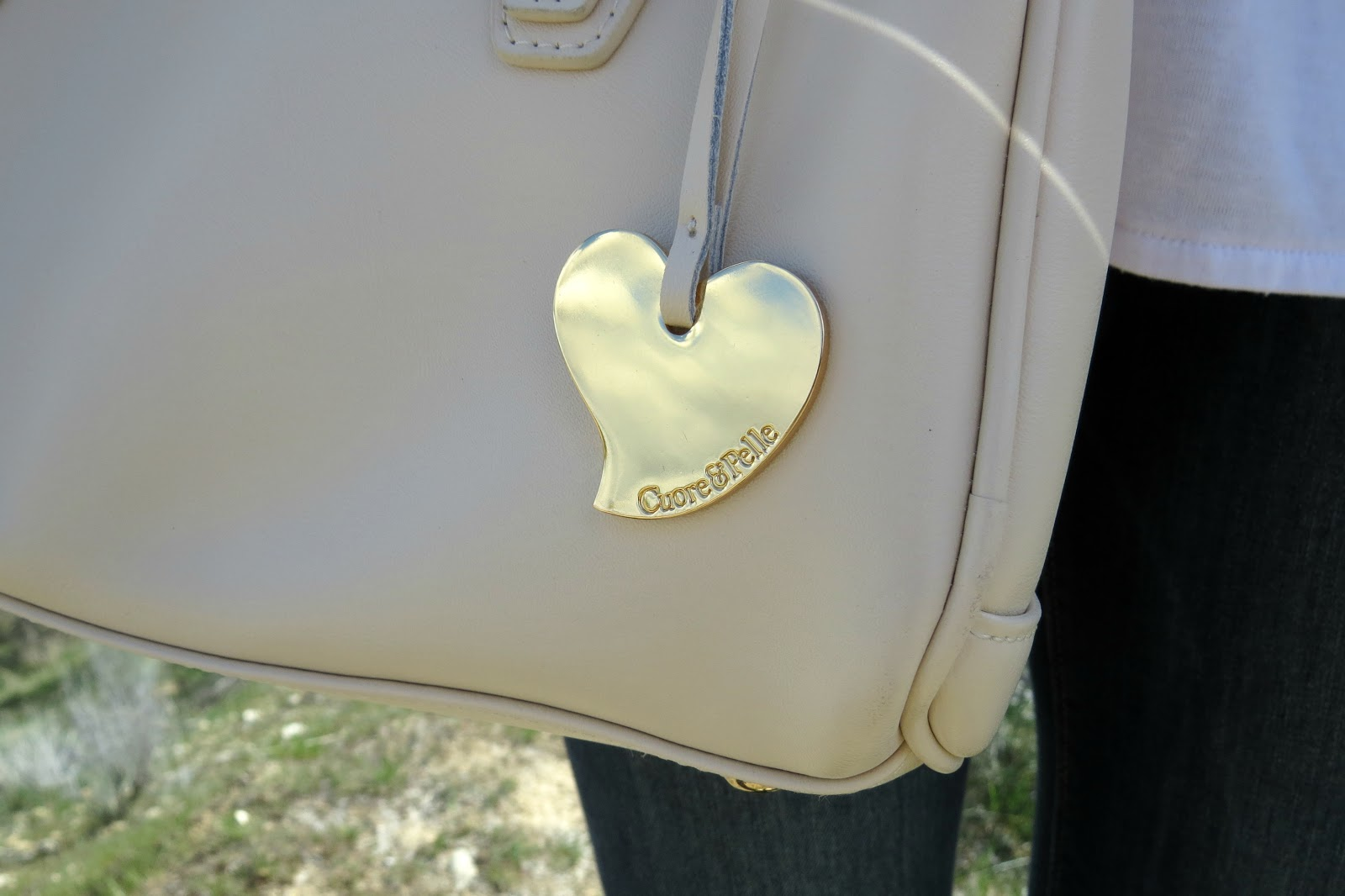 cuore and pelle celeste mini satchel