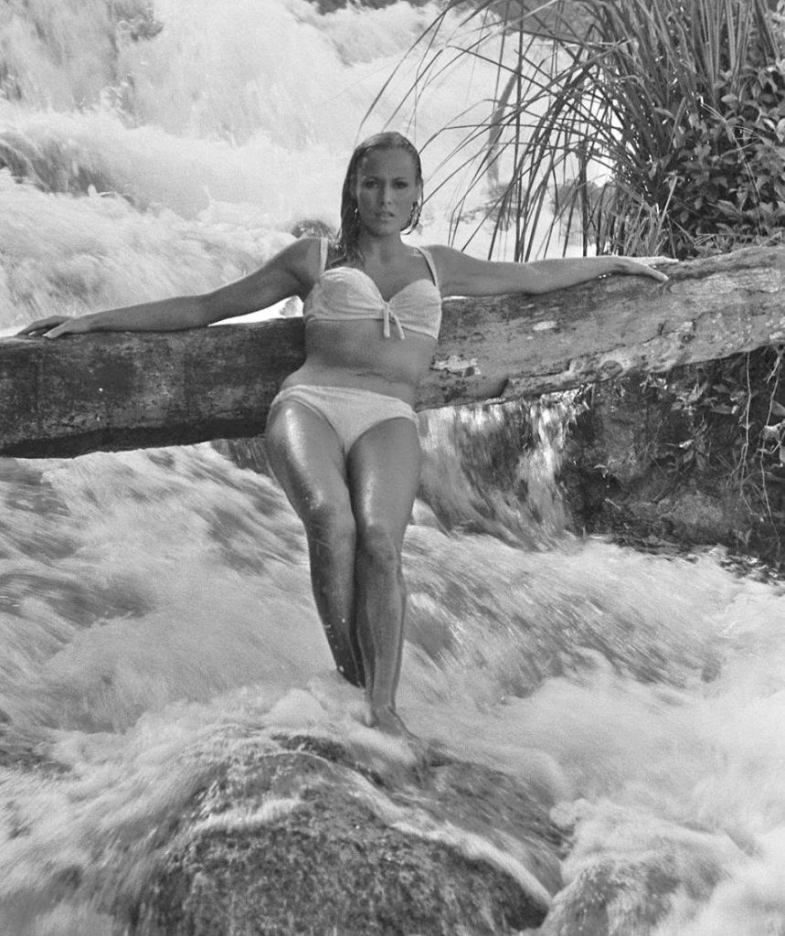 Cindy taylor bikini