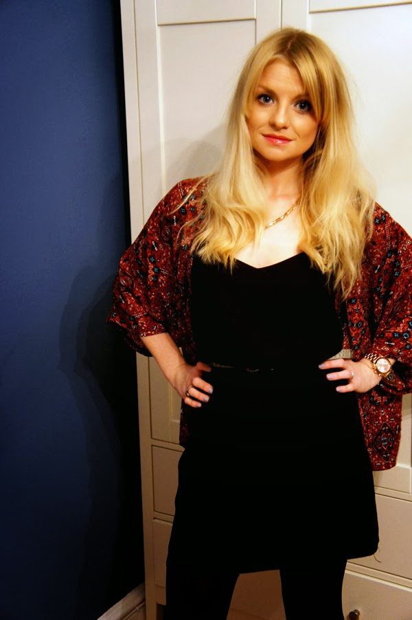 fashion blogger black dress, new look kimono
