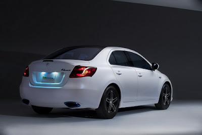Suzuki-Kizashi-EcoCharge-Rear-Side