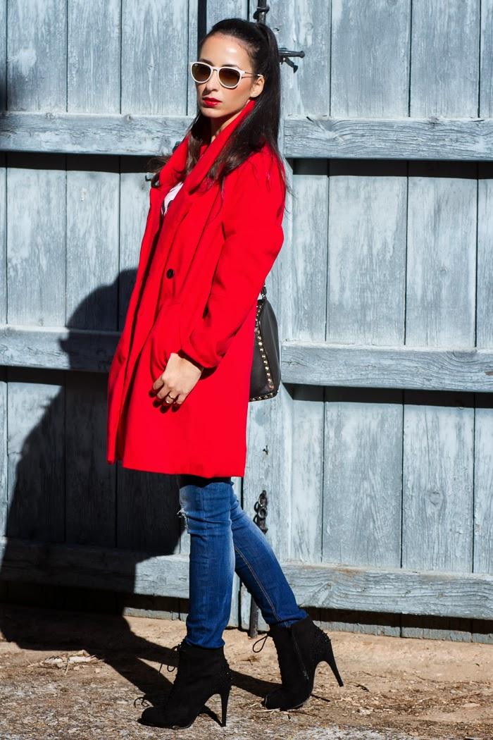Bloguera moda outfit labios rojos