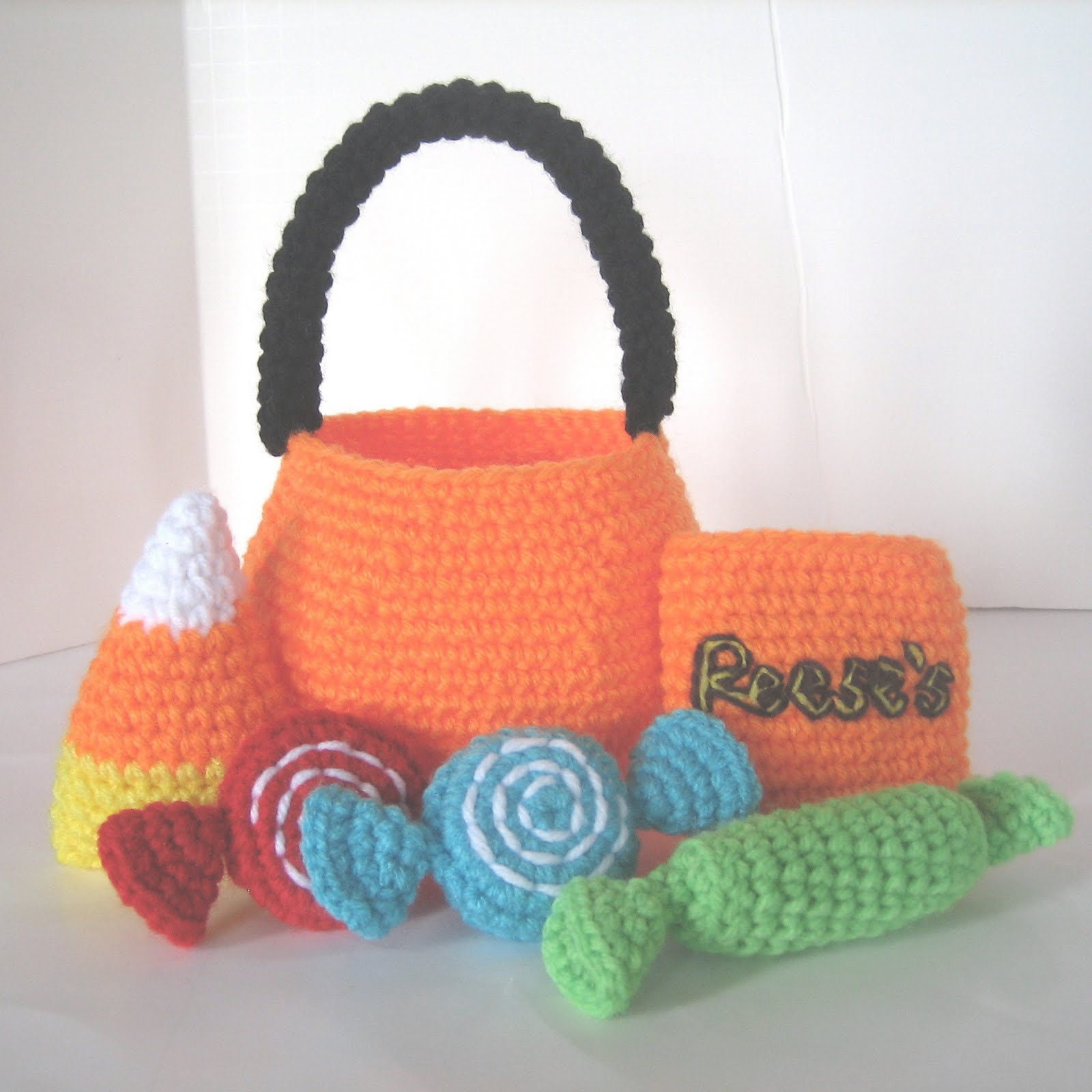 CROCHET N PLAY DESIGNS: New Crochet Pattern: Halloween Treat Bag