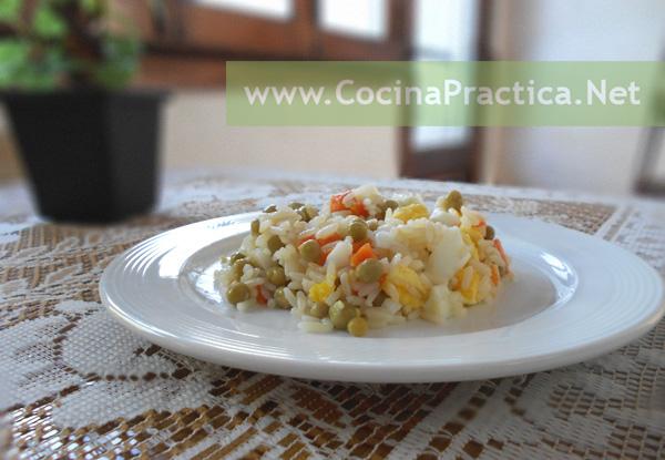 Plato Frío, combinando arroz con arvejas y zanahoria