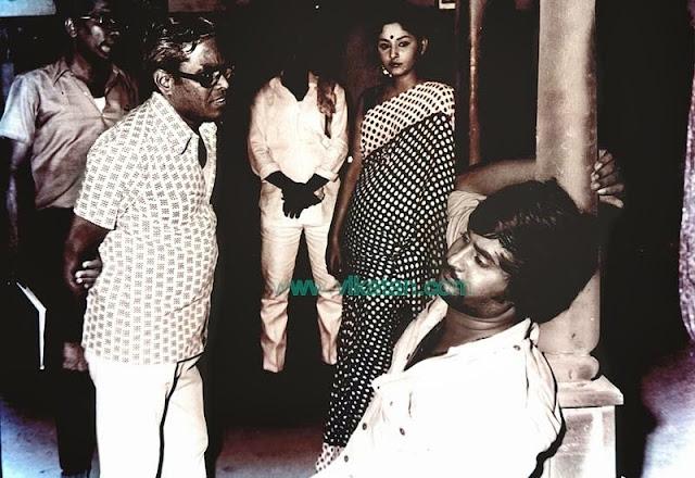 'Thalaivar' Rajinikanth, Jayapradha & Director K. Balachander in 'Anthuleni Katha' Shooting Spot