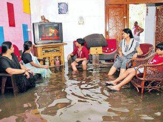 funny photos from India, flooded room