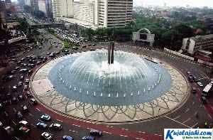 Misteri Keganjilan Pada Bundaran HI Di Jakarta - Kujelajahi.com