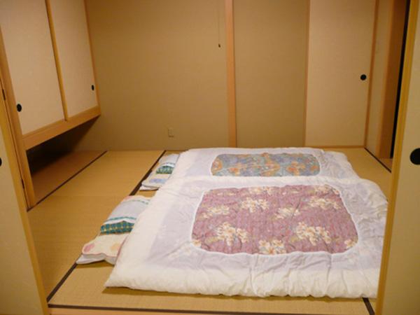 Bài trí phòng khách nhỏ theo phong cách Nhật