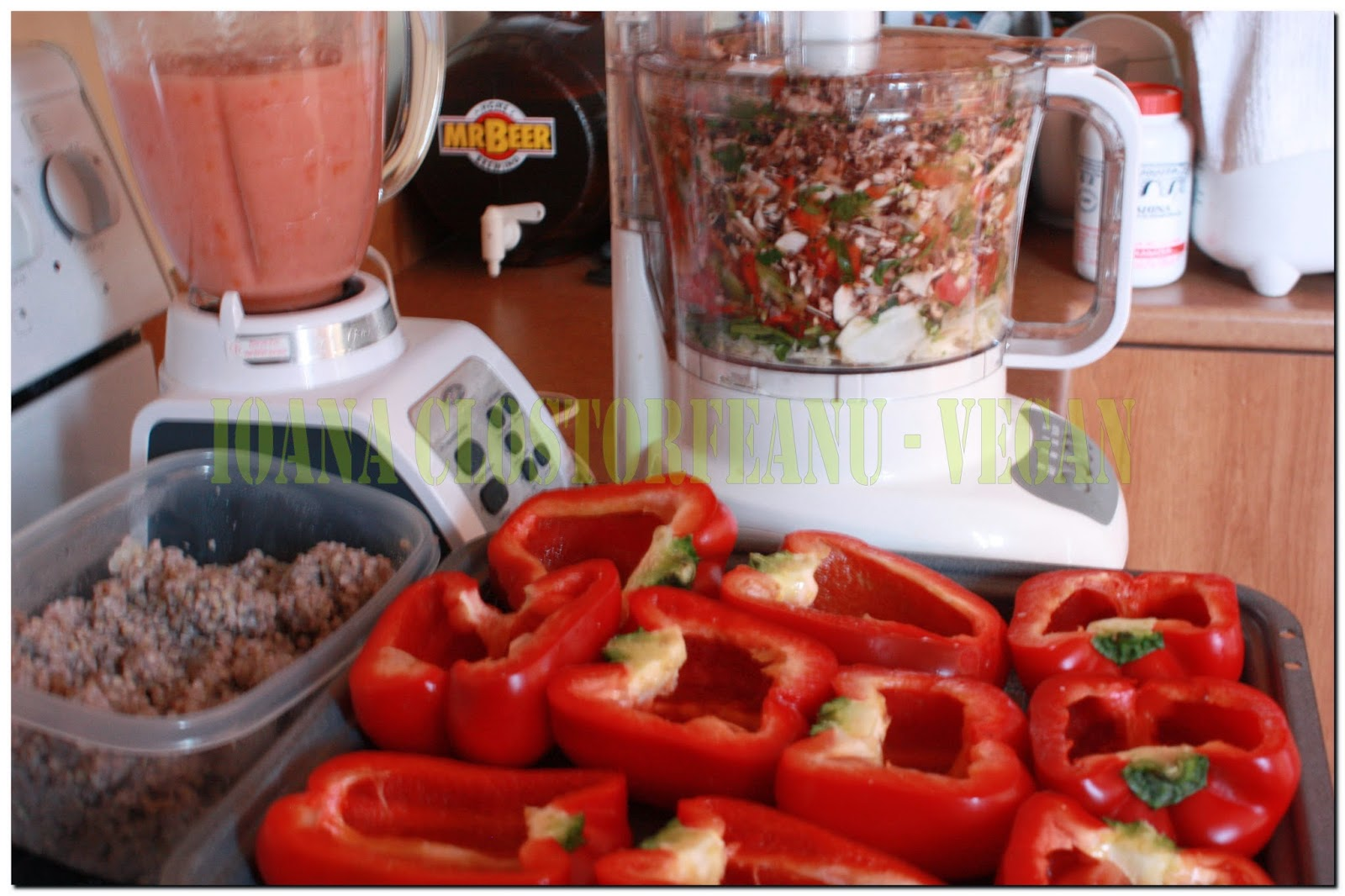 Vegetarian recipes with photos vegan recipes animal protein free sweet peppers stuffed with buckwheat and vegetables vegan vegetarian recipe available in three languages forumfinder Images