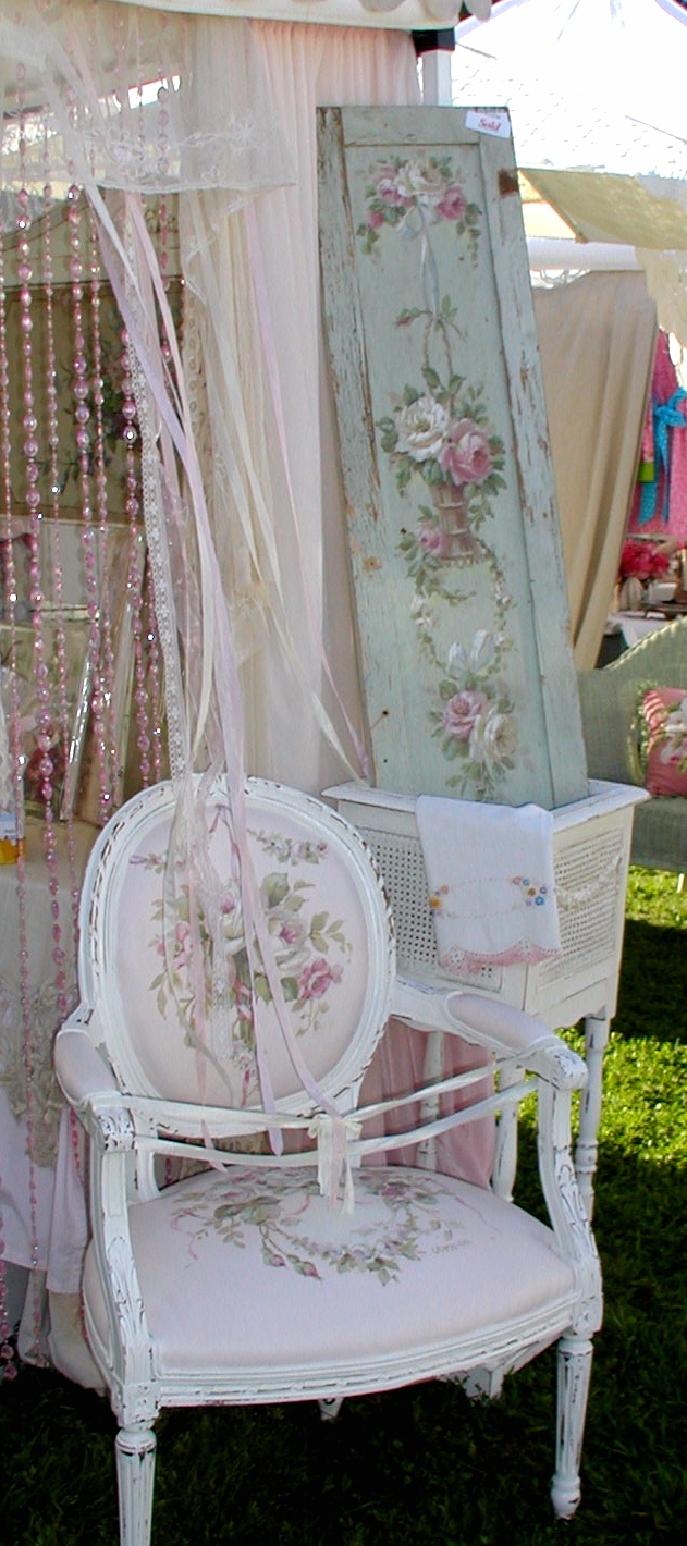 chateau de fleurs more photo 39 s of the vintage marketplace march 2012. Black Bedroom Furniture Sets. Home Design Ideas