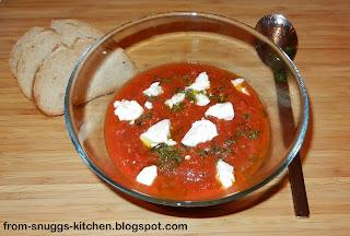 Tomaten-Curry-Suppe mit Ziegenfrischkäse