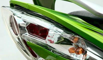 Membersihkan Mika Lampu Motor Yang Terlihat Kusam