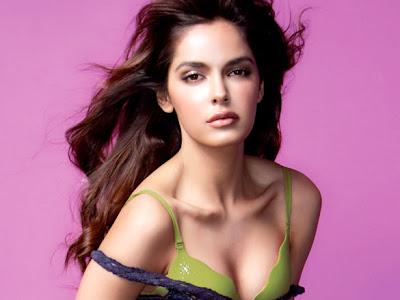 Cute & Sexy Shazahn Padamsee
