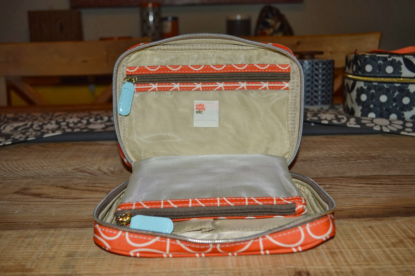 So This Makeup Bag Definitely Has All The Little Pockets I Need To Keep Everything Organized Orla Kiely