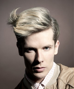 Corte de pelo para hombres rubios