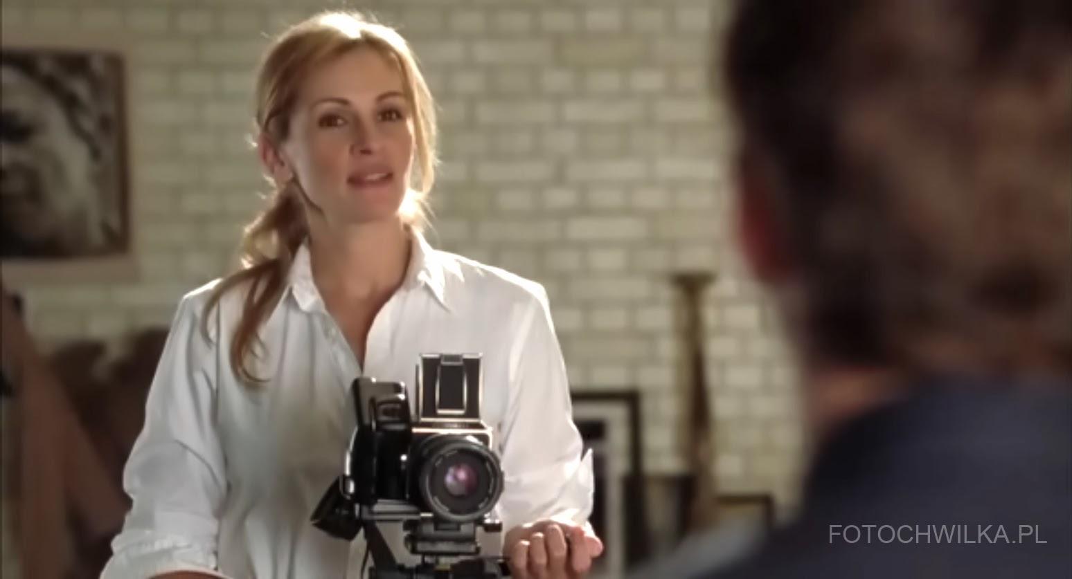 "Scena z filmu ""Bliżej"" (Closer) - Julia Roberts jako fotograf"