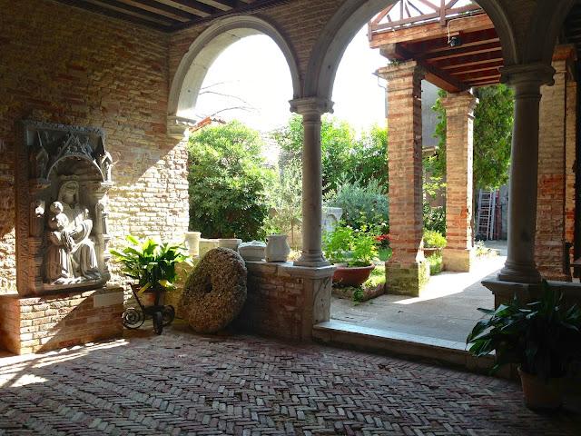 mazzorbo_chiostro_chiesa_santa_caterina_venezia_laguna