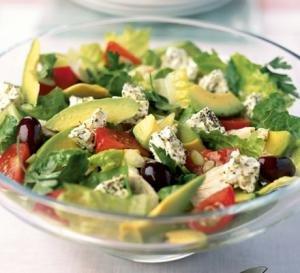 Салат из авокадо и помидорами