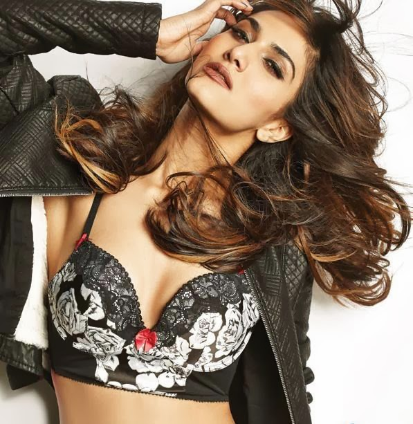 Vaani Kapoor hot unseen nude topless photoshoot naked