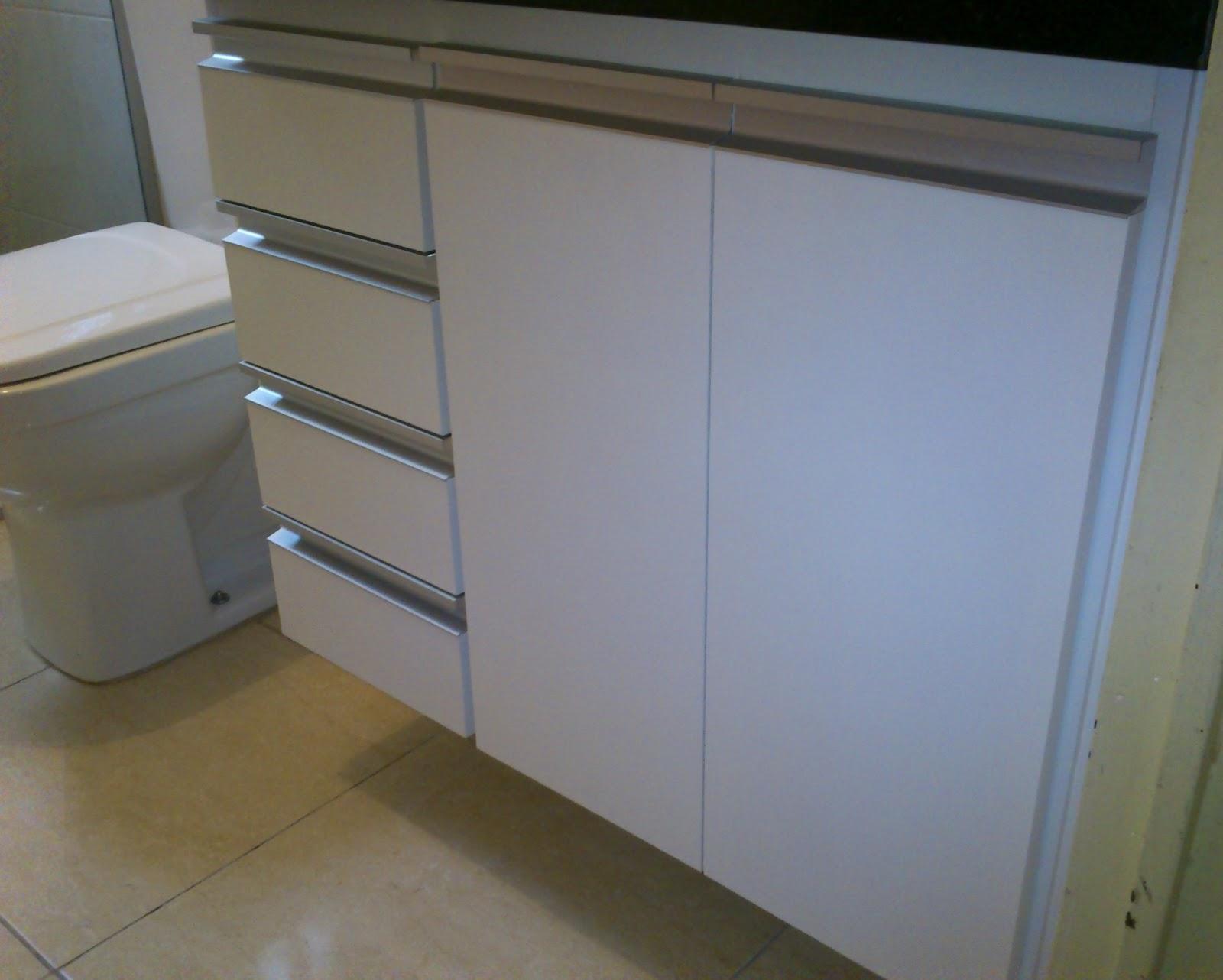 : Armário de Banheiro (Padrão Branco) Puxadores em Perfil de  #3C688F 1600x1282 Armario Banheiro De Aluminio