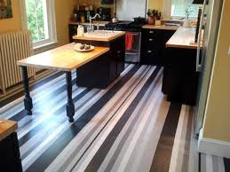 Wood floor with a pattern of stripes