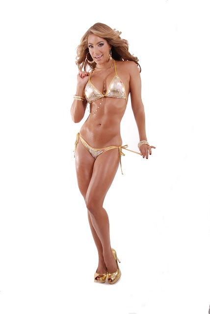 Jennifer Nicole Lee very hot and sexy Photo Shoot for Her 37th Birthday July 2012